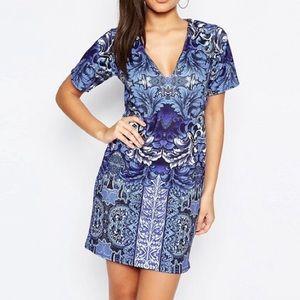 Missguided V Neck Shift Dress in Blue Tile Print
